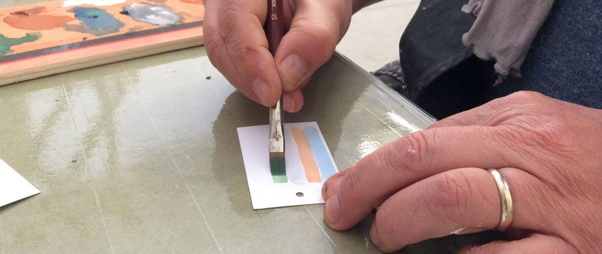 Creazione cartellini artigianali per abbigliamento